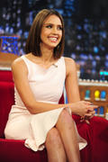 http://img174.imagevenue.com/loc339/th_61302_Jessica_Alba_appears_on_Late_Night_with_Jimmy_Fallon5_122_339lo.jpg